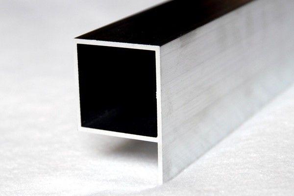 praporkov profil p441 hlin kov ploty. Black Bedroom Furniture Sets. Home Design Ideas